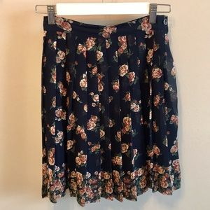 Vintage 1990s Express Floral Pleated Mini Skirt XS